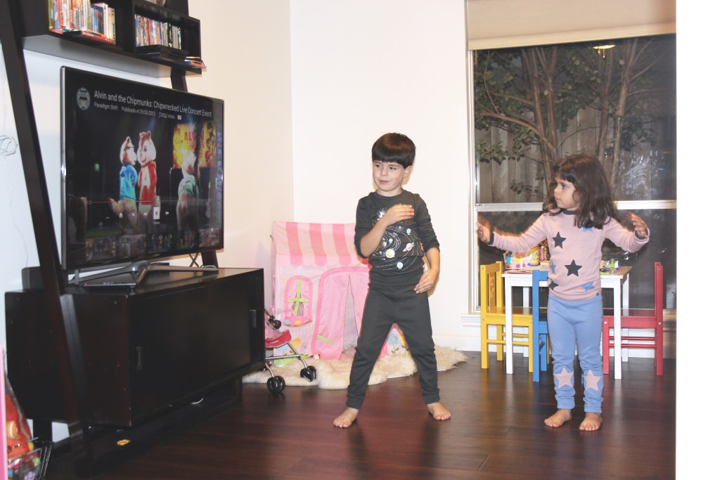 bailando con Alvin and the chipmunks