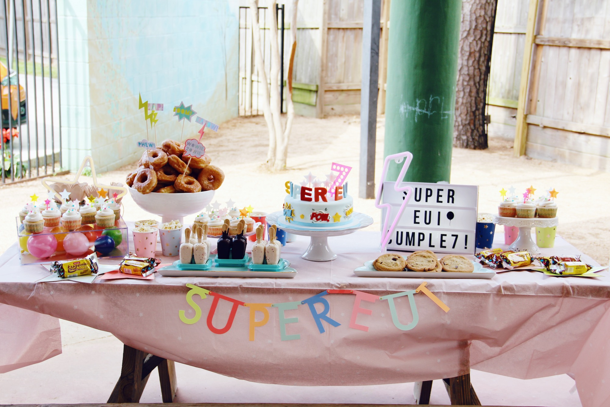 SuperEui cumple 7 | Fiesta Supergirls